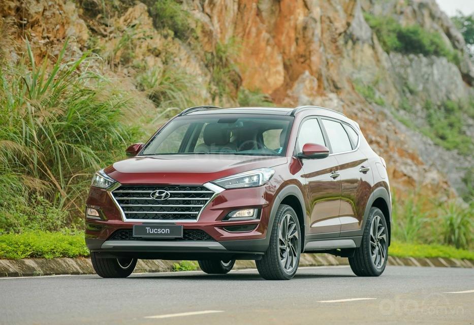 Hyundai Sơn Trà Đà Nẵng cần bán xe Hyundai Tucson new 2019, màu trắng-1