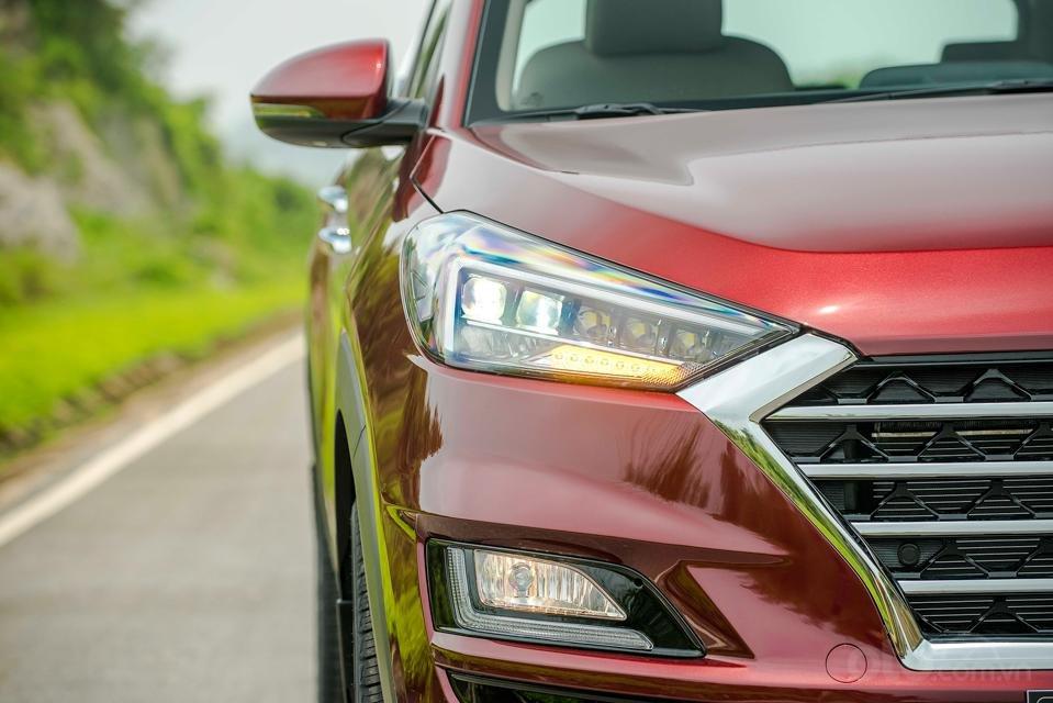 Hyundai Sơn Trà Đà Nẵng cần bán xe Hyundai Tucson new 2019, màu trắng-2