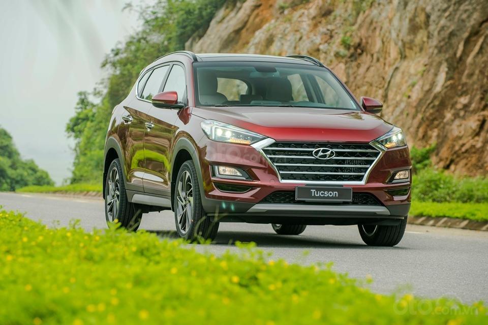 Hyundai Sơn Trà Đà Nẵng cần bán xe Hyundai Tucson new 2019, màu trắng-0
