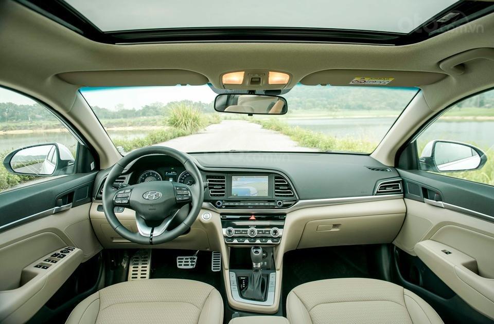 Hyundai Đà Nẵng bán xe Hyundai Elantra bản Facelift New đời 2019, nhập khẩu 3 cục từ Hyundai, giá rẻ nhất 560tr-3