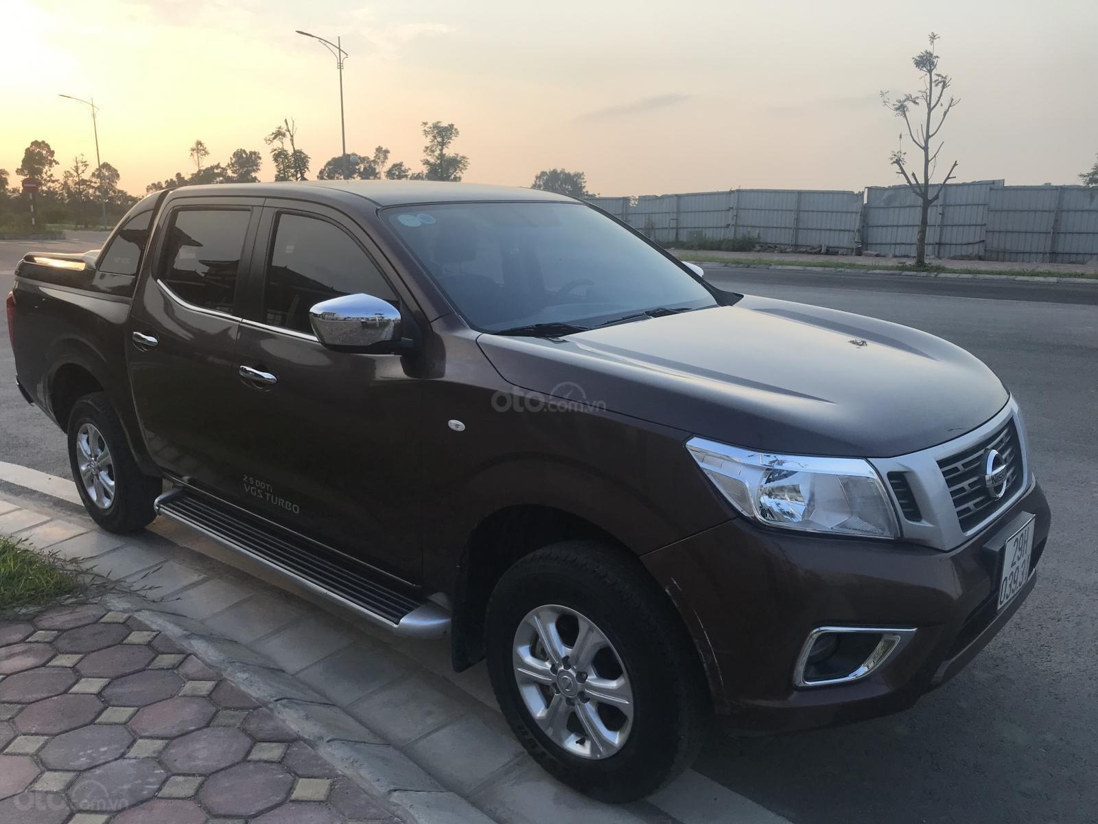 Bán Nissan Navara E 2.5MT 2WD đời 2017, màu nâu, nhập khẩu, giá tốt-2