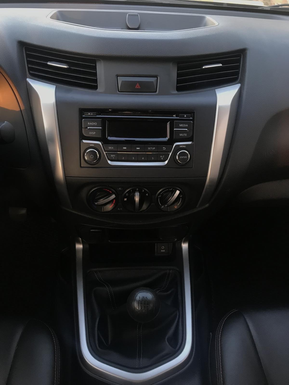 Bán Nissan Navara E 2.5MT 2WD đời 2017, màu nâu, nhập khẩu, giá tốt-7