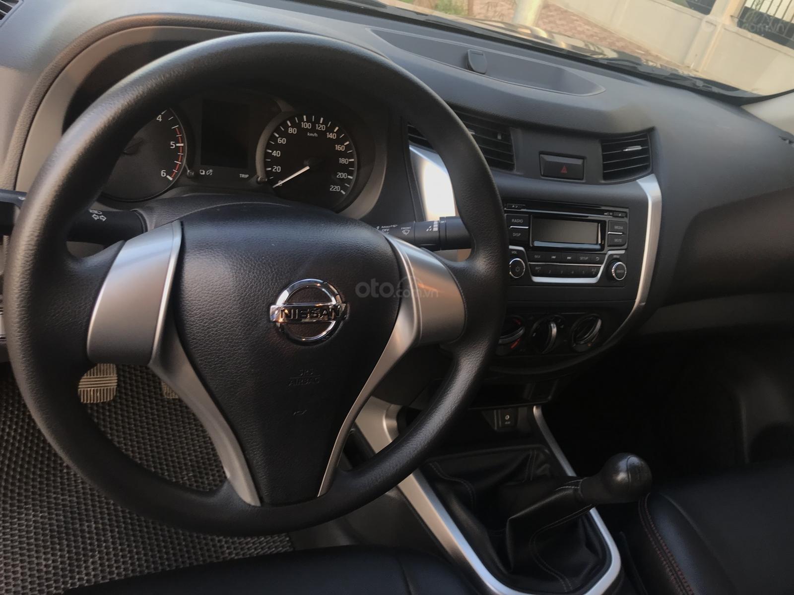 Bán Nissan Navara E 2.5MT 2WD đời 2017, màu nâu, nhập khẩu, giá tốt-11