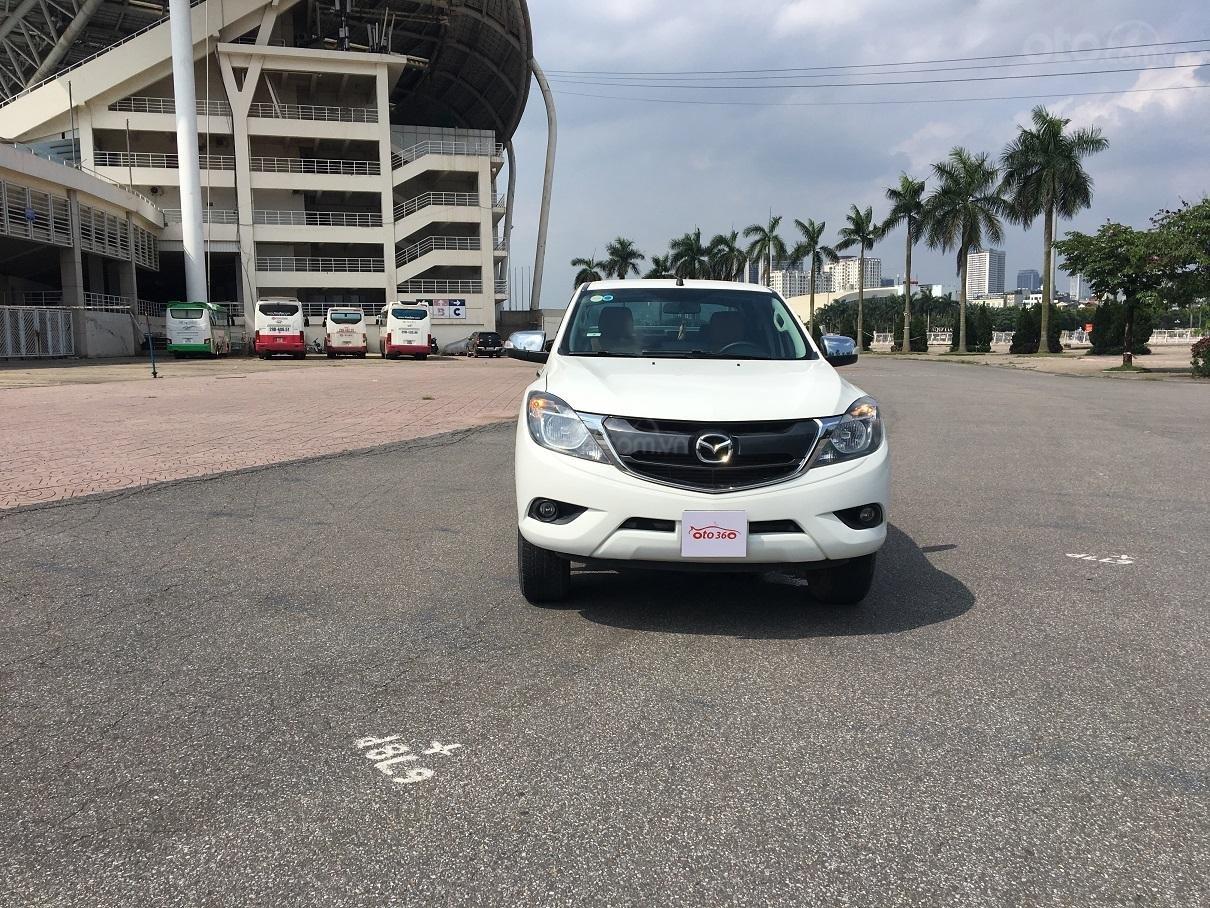 Bán xe Mazda BT 50 2.2L 4X4 MT sản xuất năm 2016, màu trắng, xe nhập-0