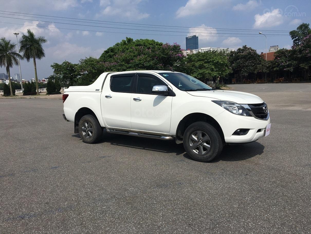 Bán xe Mazda BT 50 2.2L 4X4 MT sản xuất năm 2016, màu trắng, xe nhập-1