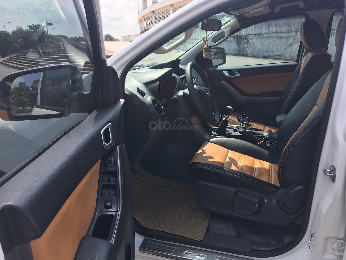 Bán xe Mazda BT 50 2.2L 4X4 MT sản xuất năm 2016, màu trắng, xe nhập-5