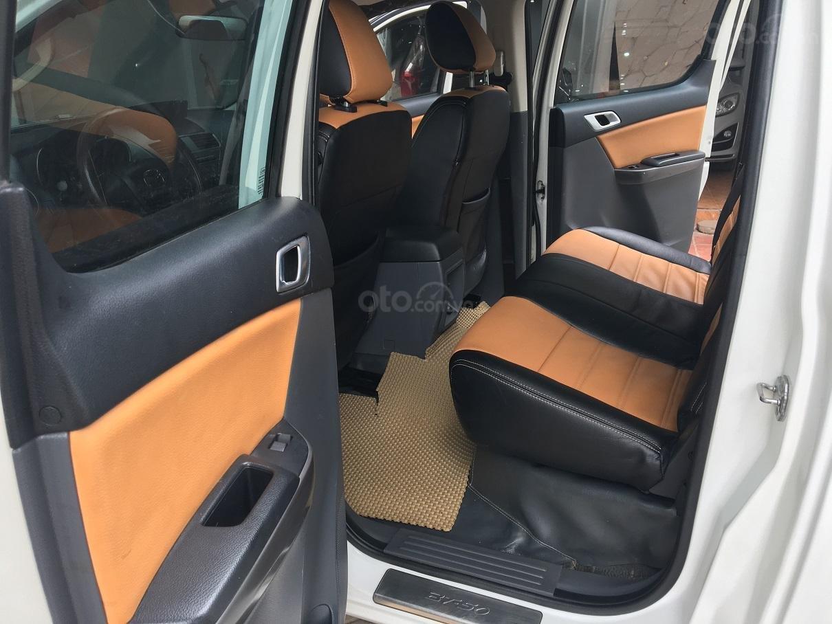 Bán xe Mazda BT 50 2.2L 4X4 MT sản xuất năm 2016, màu trắng, xe nhập-15