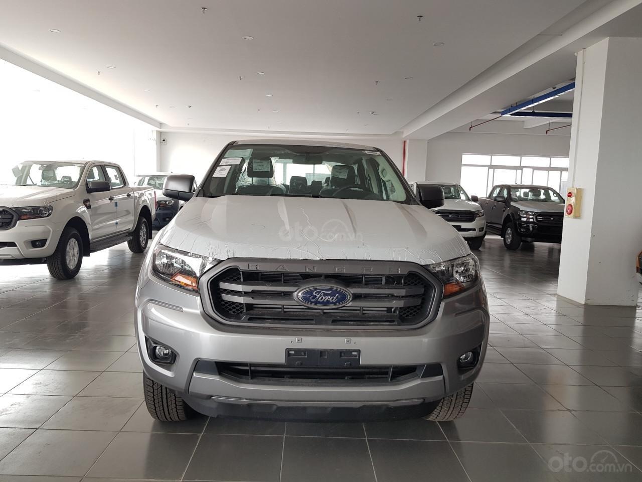 Bán Ford Ranger Ranger XLS AT đời 2019, đủ màu, giao xe tháng 10/2019 nhập khẩu nguyên chiếc, giá tốt (1)