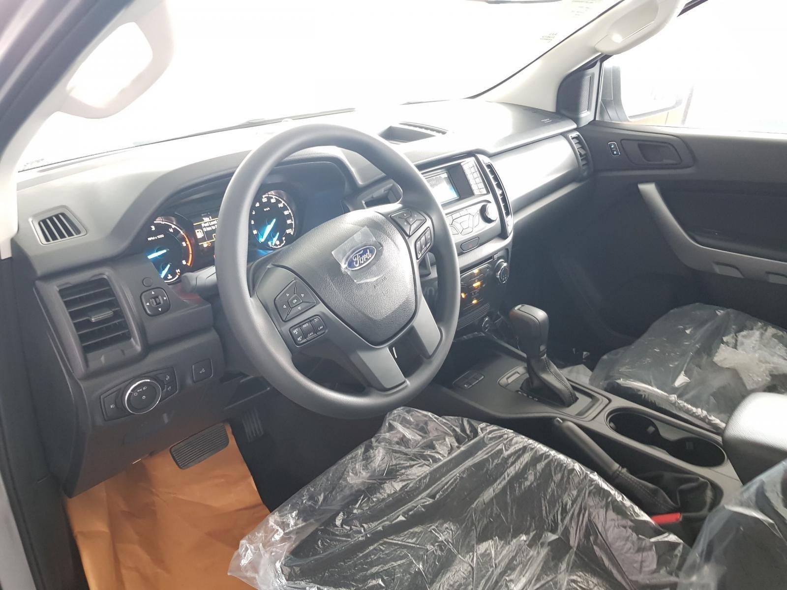 Bán Ford Ranger Ranger XLS AT đời 2019, đủ màu, giao xe tháng 10/2019 nhập khẩu nguyên chiếc, giá tốt (5)
