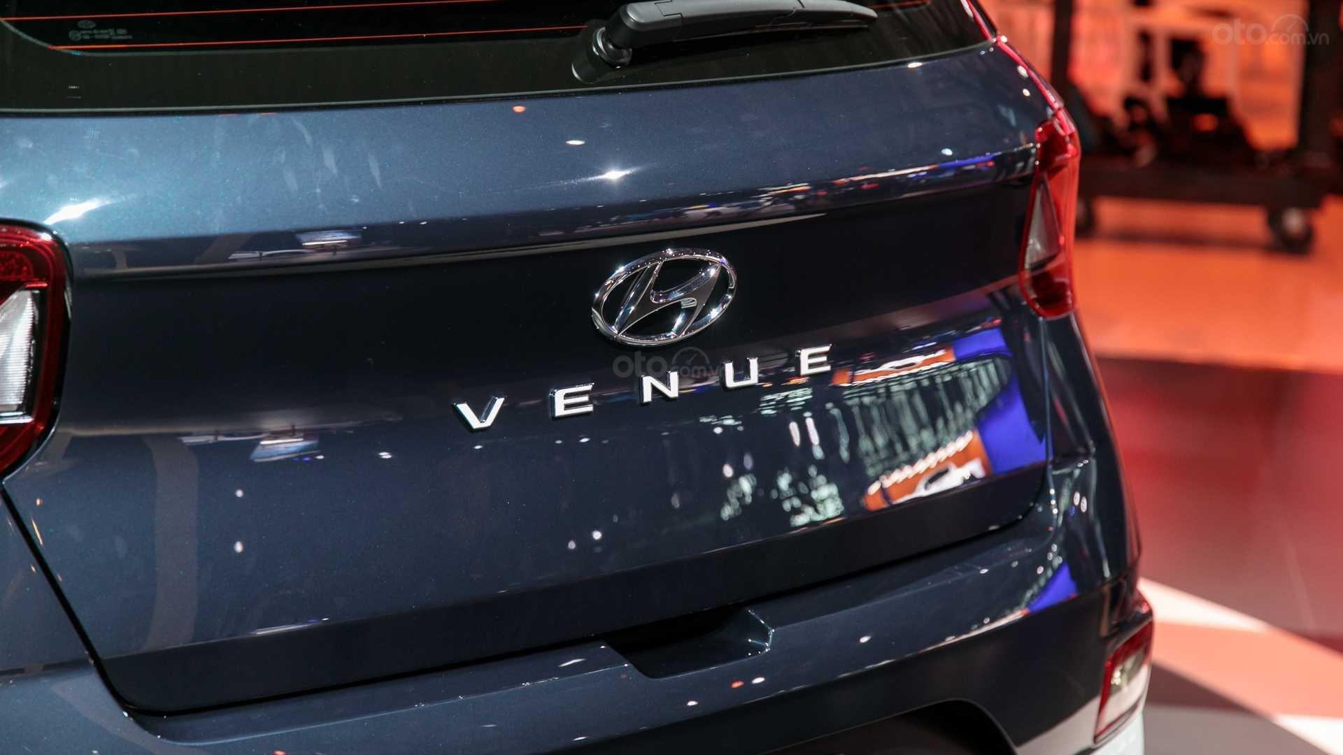 Đánh giá Hyundai Venue 2020 - đuôi xe 2