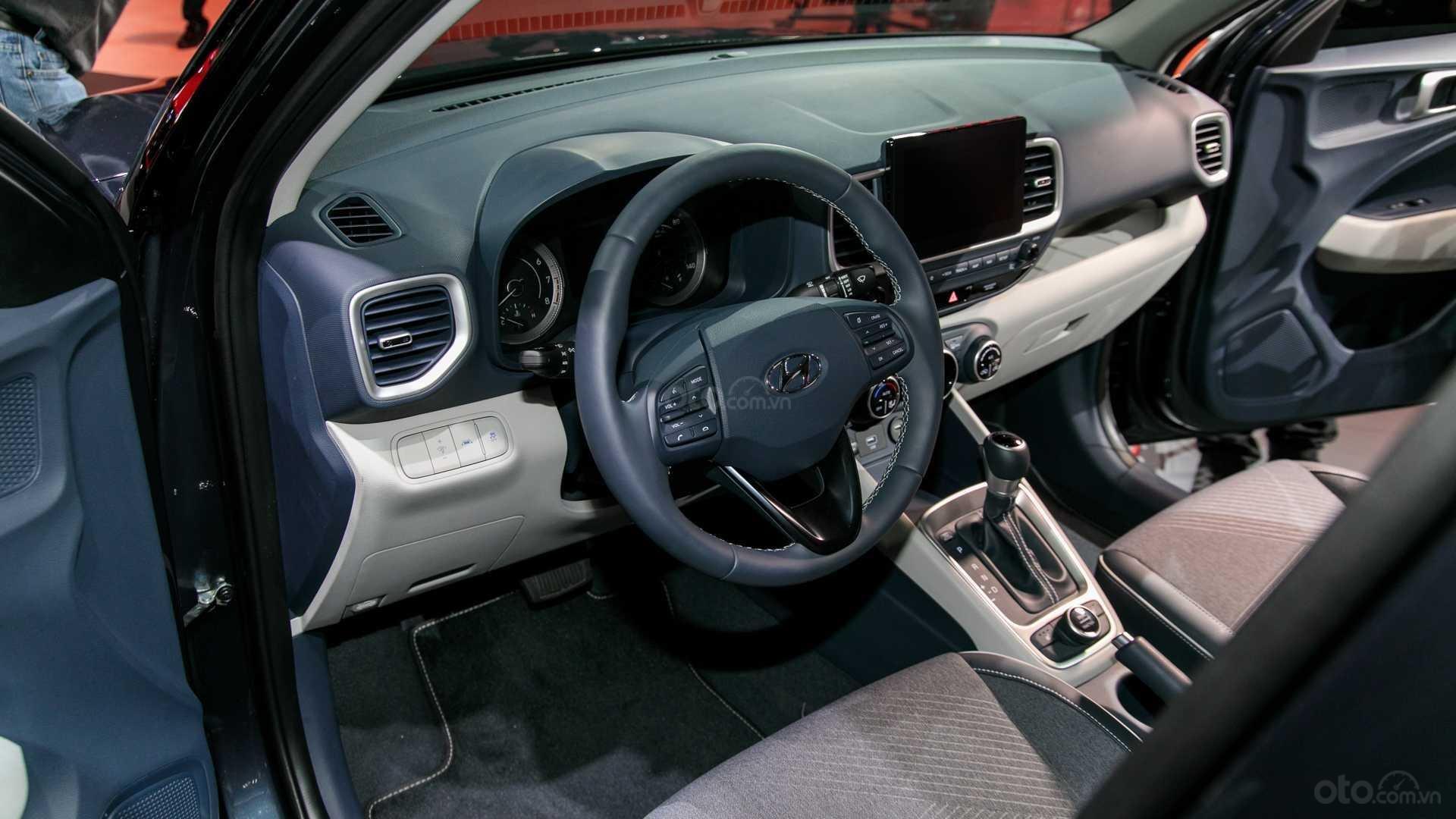 Đánh giá xe Hyundai Venue 2020 bảng táp lô