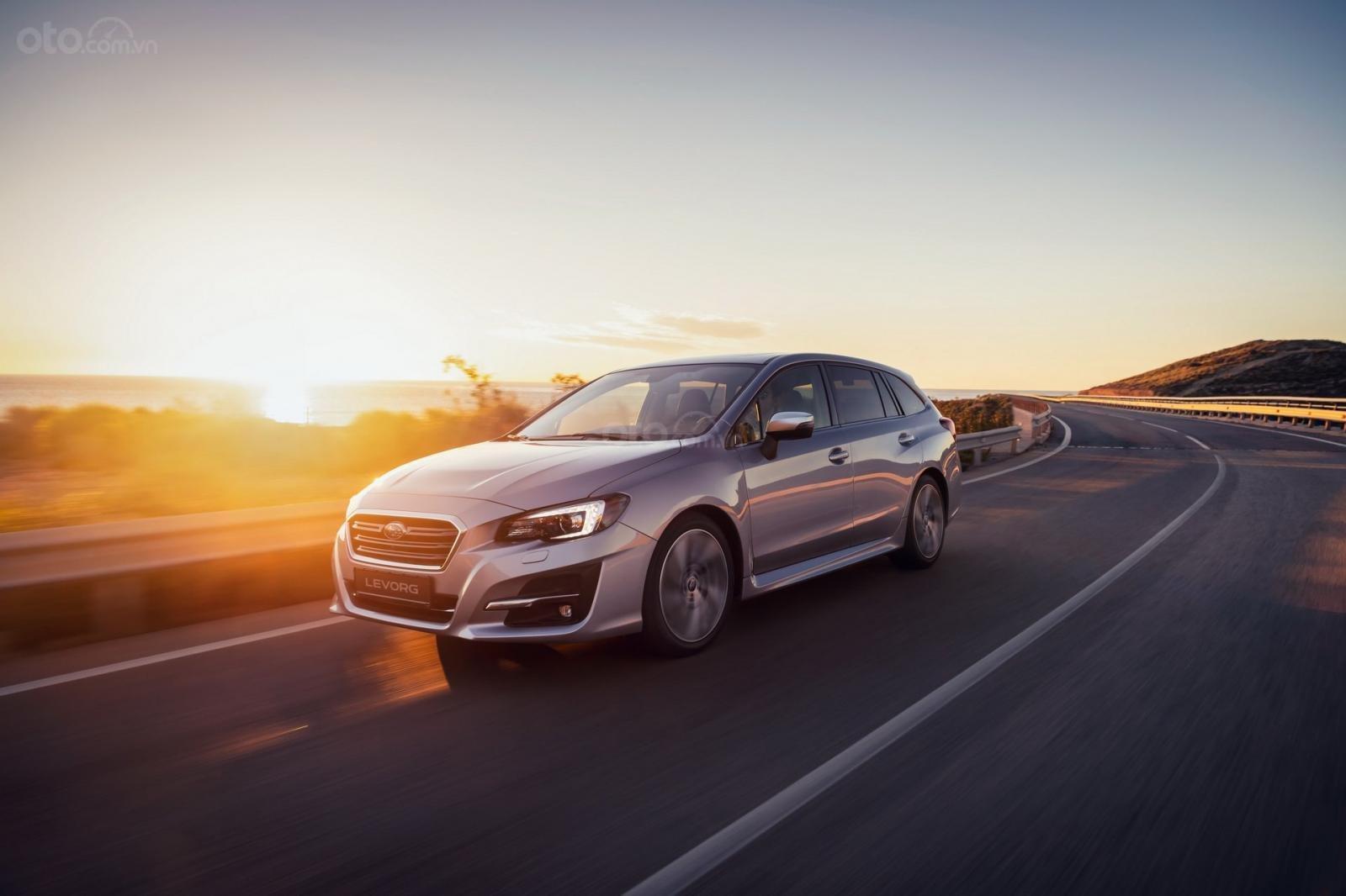 Subaru Levorg 2019 bản Anh chào giá 932 triệu, gắn động cơ xăng 2.0 lít