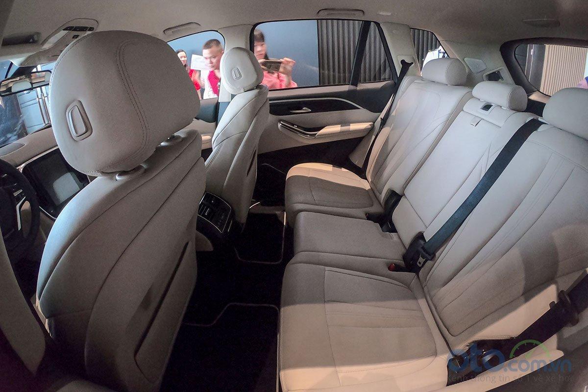 VinFast LUX V8: Chiếc SUV nhanh nhất phân khúc 6.