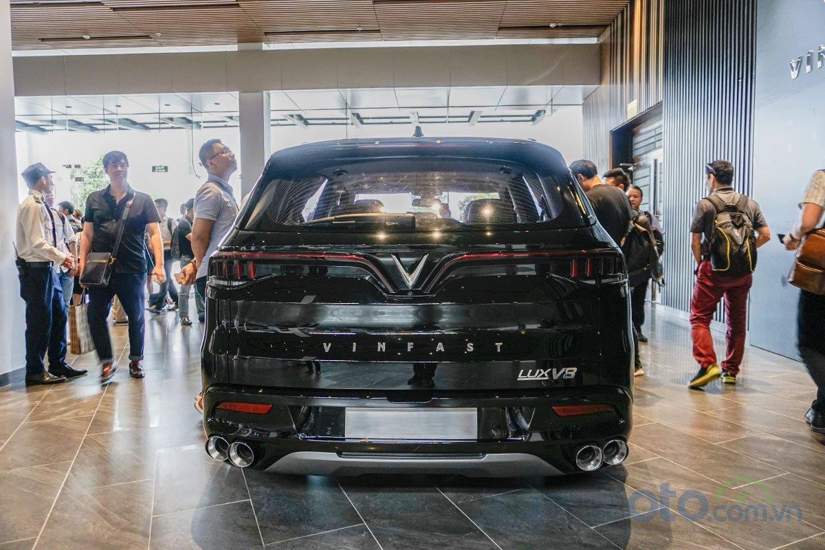 VinFast LUX V8: Chiếc SUV nhanh nhất phân khúc 4.