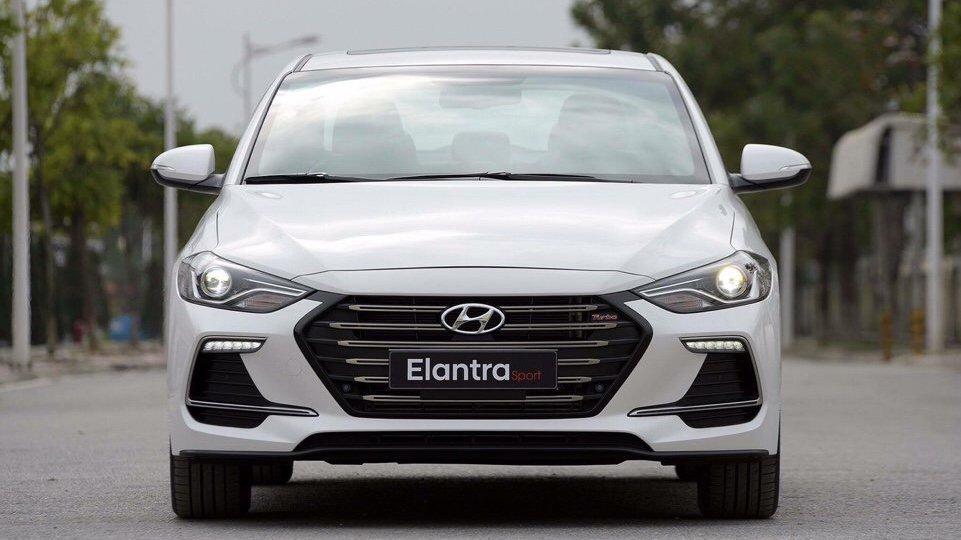 Ảnh Hyundai Elantra Sport 2018..