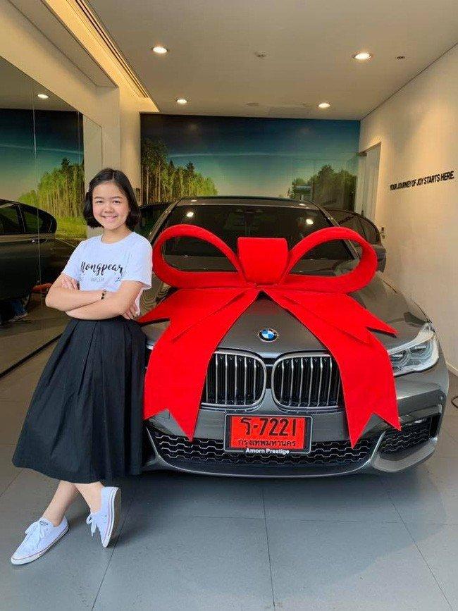 Vlogger 12 tuổi sắm BMW 7-Series giá 4,5 tỷ đồng a1