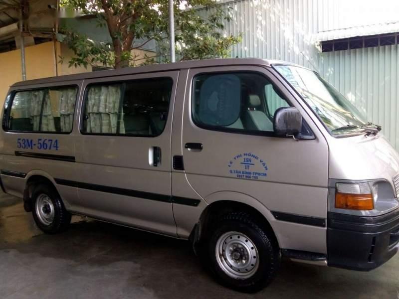 Cần bán Toyota Hiace sản xuất 2002, xe gia đình-5