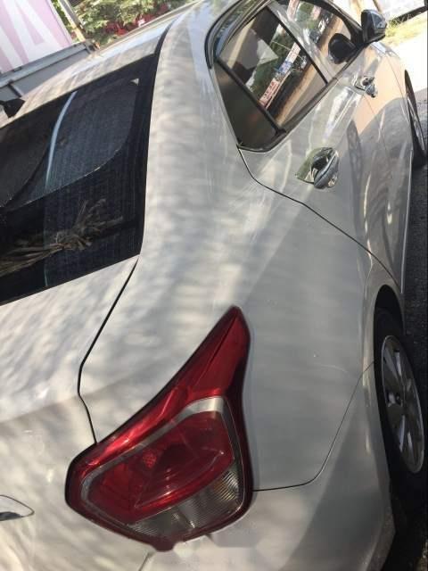 Bán Hyundai Grand i10 năm 2015, màu trắng, nhập khẩu-1