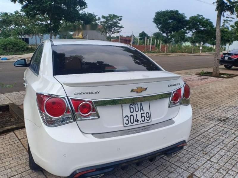 Bán Chevrolet Cruze đời 2015, màu trắng, chính chủ -4