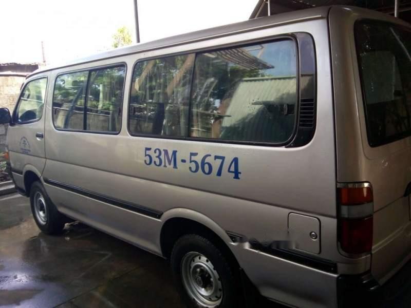 Cần bán Toyota Hiace sản xuất 2002, xe gia đình-3