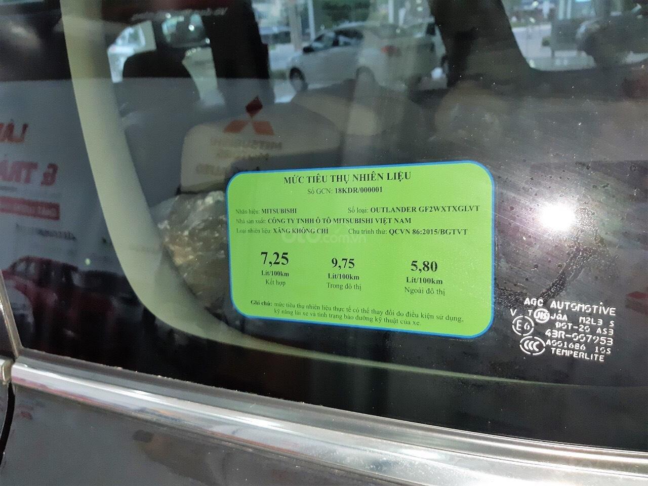 """""""Hot"""" bán xe Mitsubishi Outlander 2019, 7 chỗ, tiết kiệm, trả góp 80%, liên hệ: 0935.782.728 để nhận nhiều ưu đãi (7)"""
