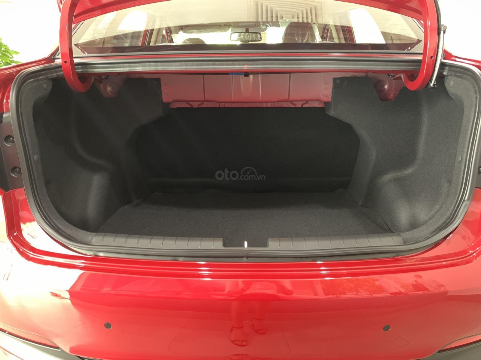 Hyundai Grand i10 sedan MT đỏ nhận xe ngay chỉ với 130tr, hỗ trợ đăng ký Grab, tặng bộ PK cao cấp, hỗ trợ vay trả góp (4)