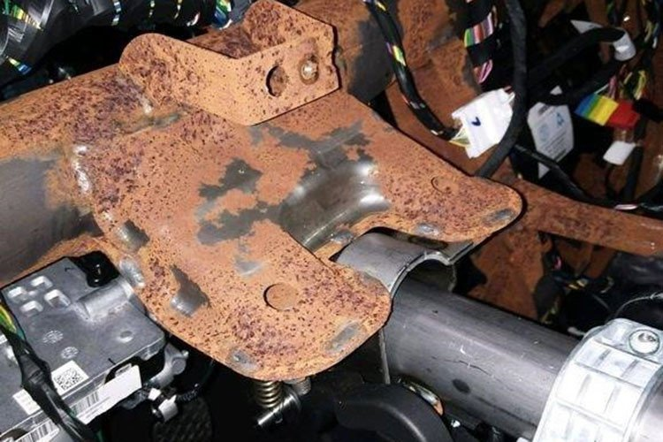 BAIC Changhe Q7 - Range Rover phiên bản Trung Quốc chảy dầu, rỉ sét sau 1 tháng vận hành a1