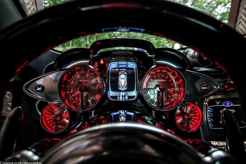 Khám phá 10 thiết kế đồng hồ hiển thị đẹp nhất thế giới a6