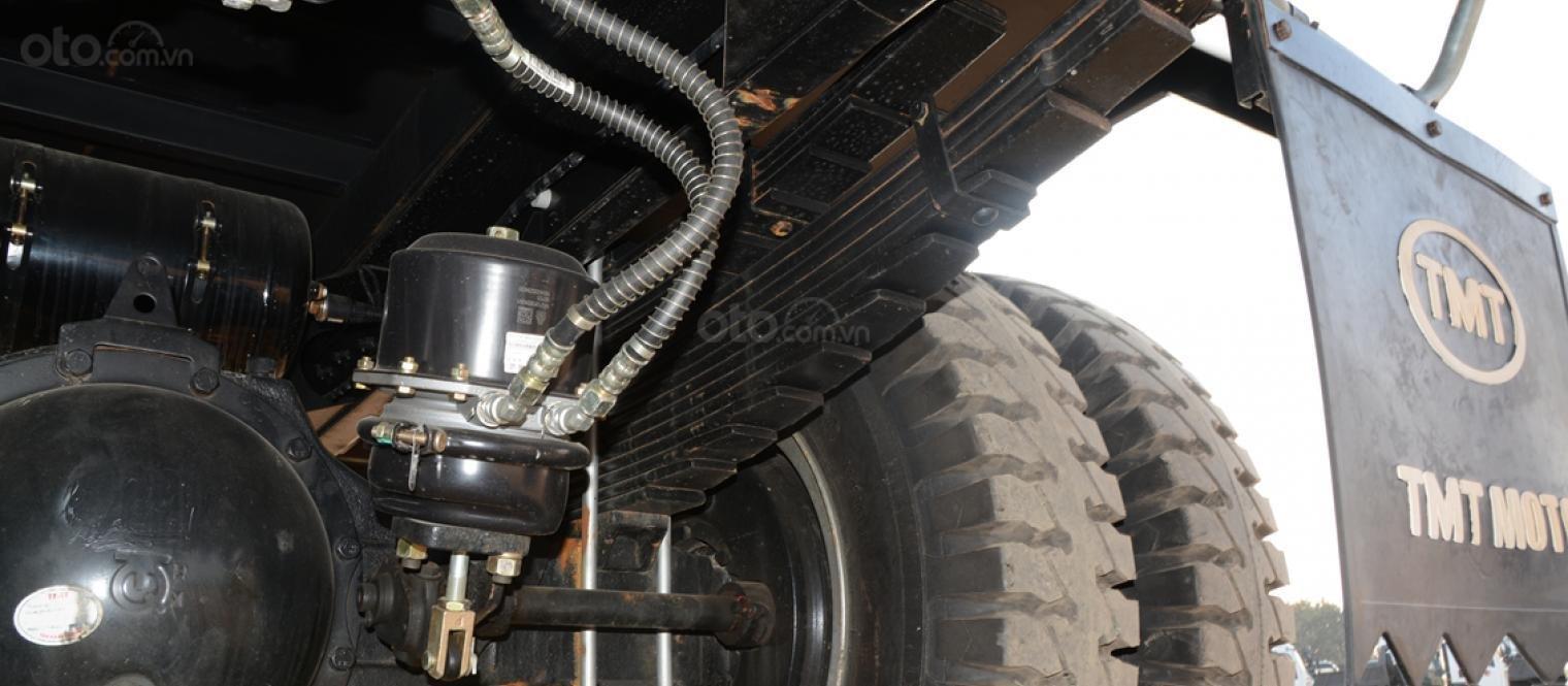 Bán xe tải 6 tấn, máy Howo Sinotruk, thùng dài 4m2 (10)