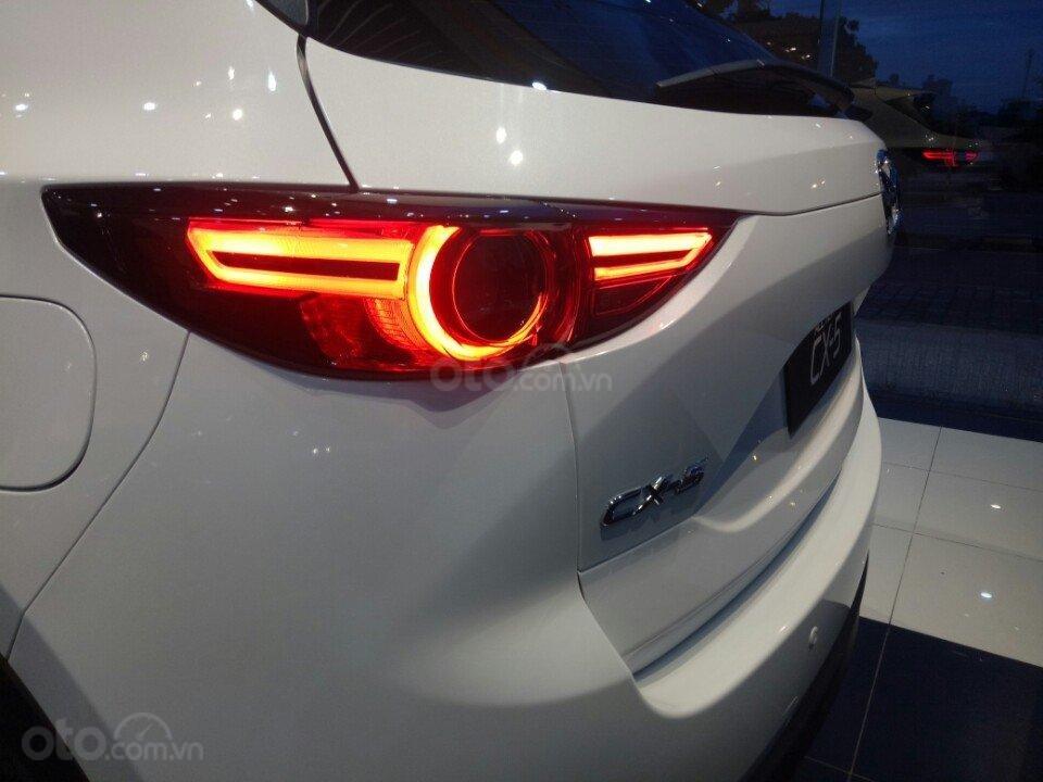 Mazda CX5 2.0 hỗ trợ 50 triệu tiền mặt, giao xe ngay trong 3 ngày, hỗ trợ vay vốn 80%. Lh 0908 360 146 Toàn Mazda-5