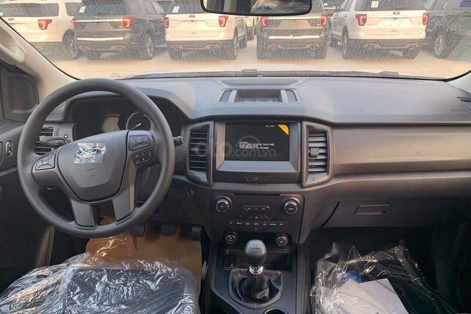 Cần bán xe Ford Everest Ambiente 2.0 4x2 MT 2019 2019, màu đỏ, xe nhập-4