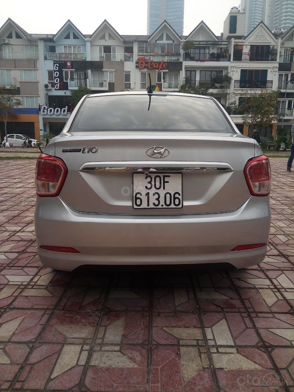 Cần bán Hyundai Grand i10 đời 2015, màu bạc, xe nhập, giá 320tr-4