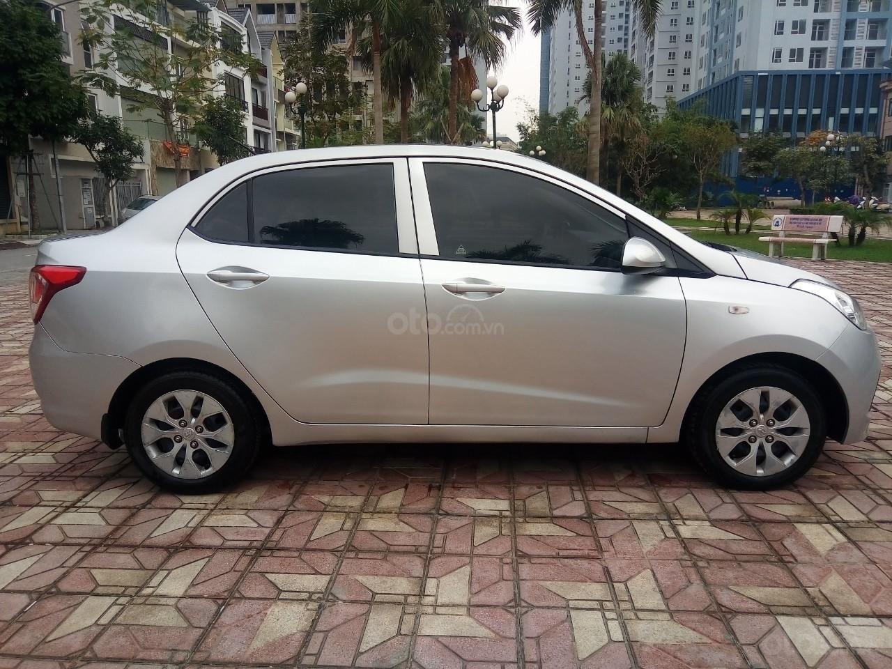 Cần bán Hyundai Grand i10 đời 2015, màu bạc, xe nhập, giá 320tr-8