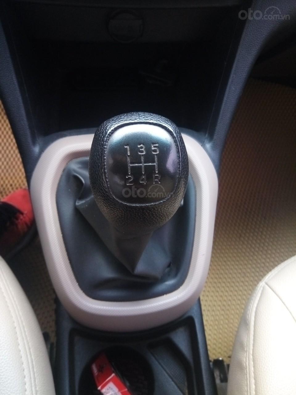 Cần bán Hyundai Grand i10 đời 2015, màu bạc, xe nhập, giá 320tr-10
