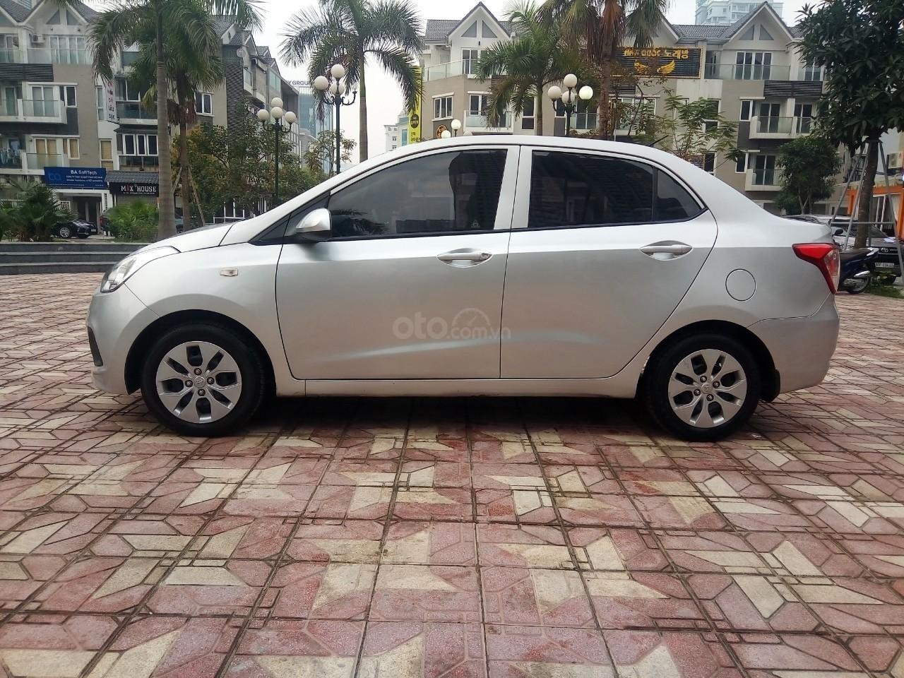 Cần bán Hyundai Grand i10 đời 2015, màu bạc, xe nhập, giá 320tr-11