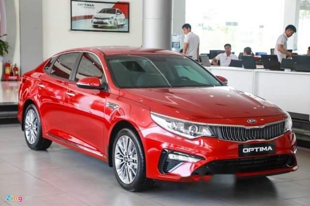 Cần bán Kia Optima năm sản xuất 2019, màu đỏ, giá 789tr-2