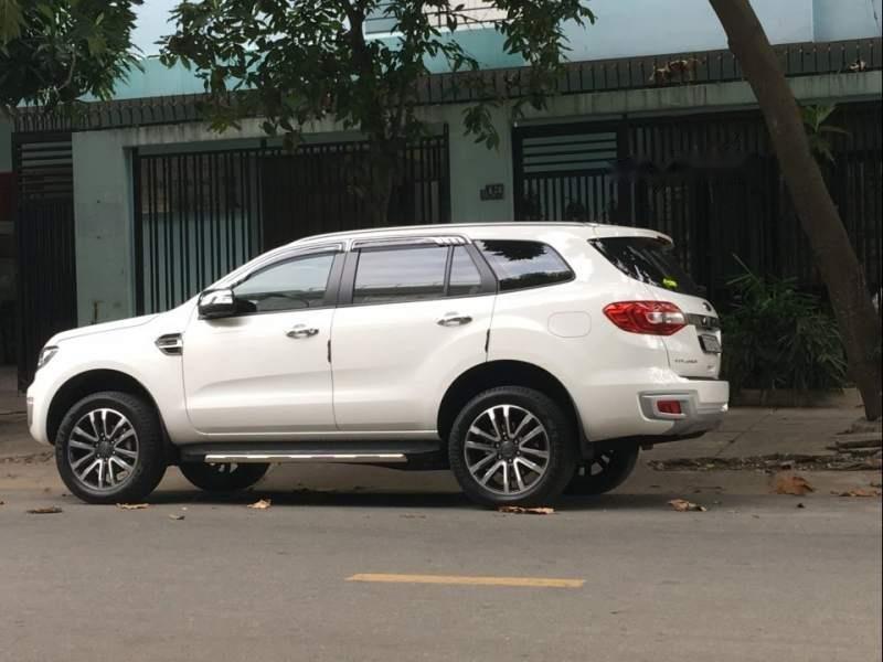 Bán Ford Everest Titanium 4x2 đời 2018, màu trắng, nhập khẩu  -0