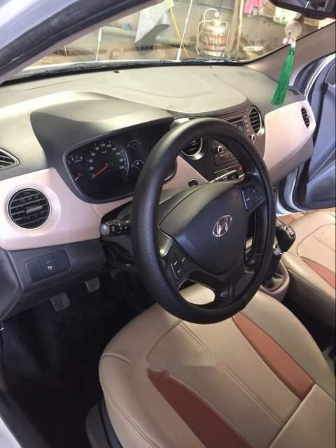 Bán xe Hyundai Grand i10 đời 2015, màu bạc xe gia đình-2