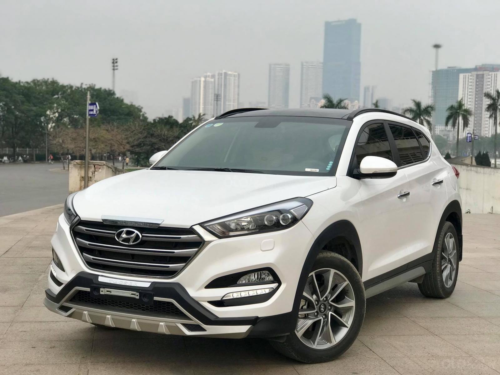 Cần bán Hyundai Tucson 2.0 ĐB sản xuất 2017, màu trắng-1