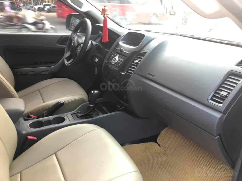 Bán xe Ford Ranger XLS AT, đăng kí tháng 3/2017, xe nhập, vàng cát-4