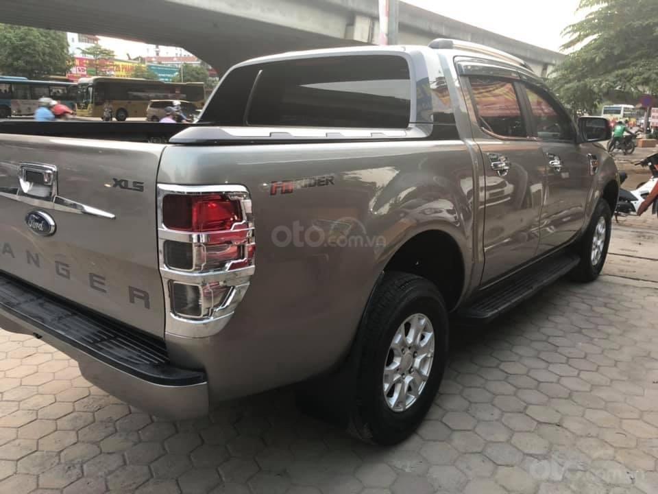 Bán xe Ford Ranger XLS AT, đăng kí tháng 3/2017, xe nhập, vàng cát-6