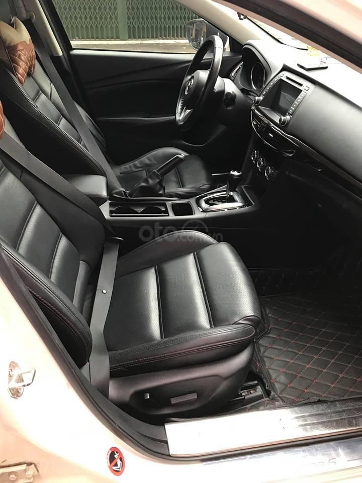 Gia đình cần bán Mazda 6 sản xuất 2016, số tự động, bản 2.0, màu trắng-5
