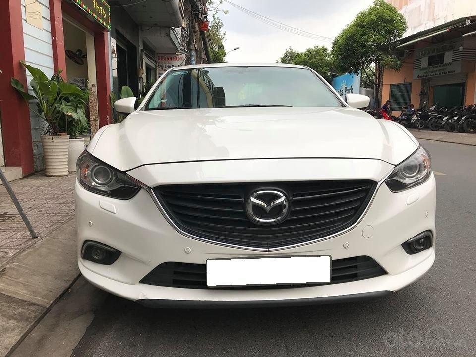 Gia đình cần bán Mazda 6 sản xuất 2016, số tự động, bản 2.0, màu trắng-0