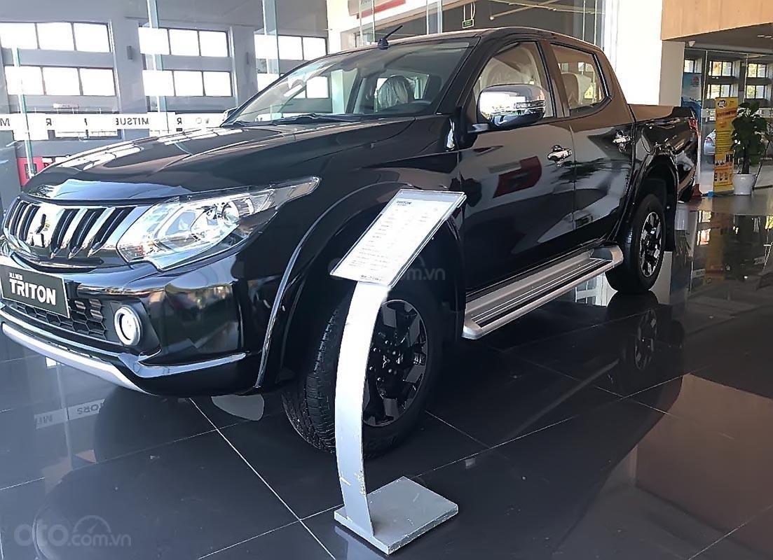 Ô tô Mitsubishi Triton 4x4 AT Mivec sản xuất 2018, màu đen-1