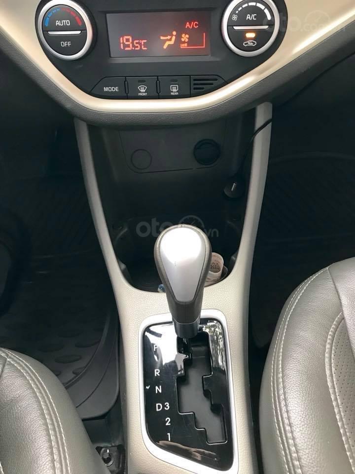 Bán xe Kia Morning Si đời 2017, số tự động, màu đỏ-5