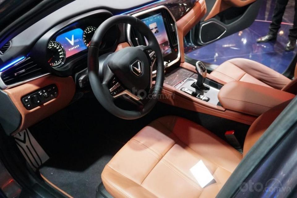 Bán ô tô VinFast LUX A2.0 Full Option (Nội thất da Nappa) 2019, màu đỏ (Giá 1 tỷ 3 đã bao gồm VAT - bàn giao xe T9.2019)-2
