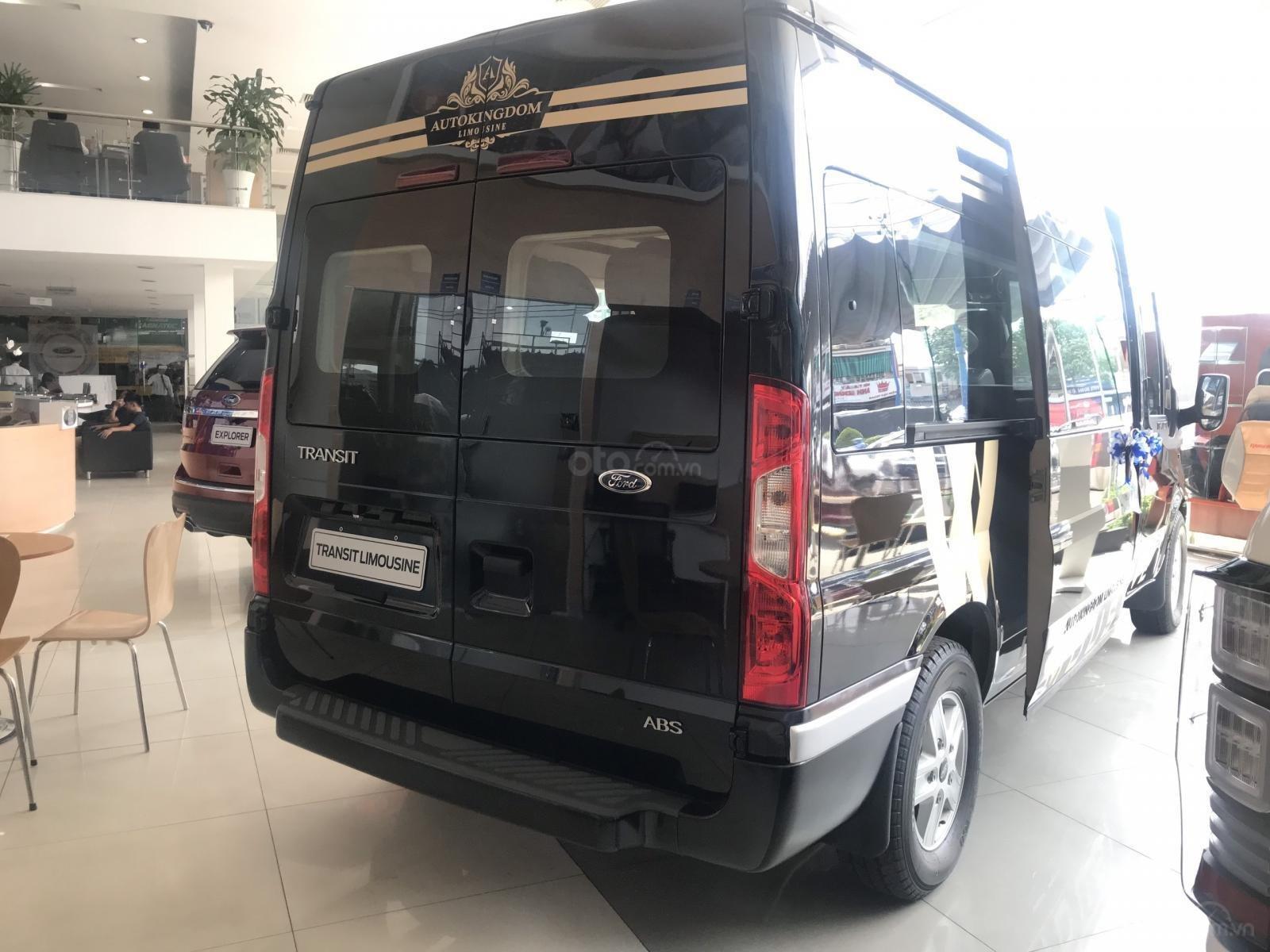 Cần bán Ford Transit Limousine vip trung cấp, dành cho chuyên gia, đẳng cấp doanh nhân (4)