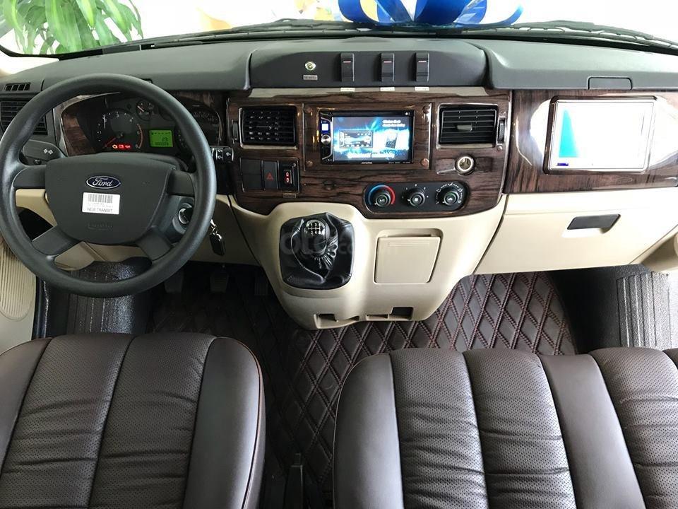 Cần bán Ford Transit Limousine vip trung cấp, dành cho chuyên gia, đẳng cấp doanh nhân (7)