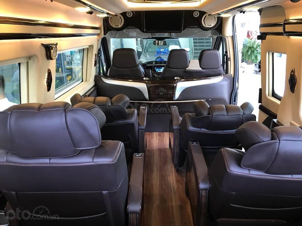 Cần bán Ford Transit Limousine vip trung cấp, dành cho chuyên gia, đẳng cấp doanh nhân (8)