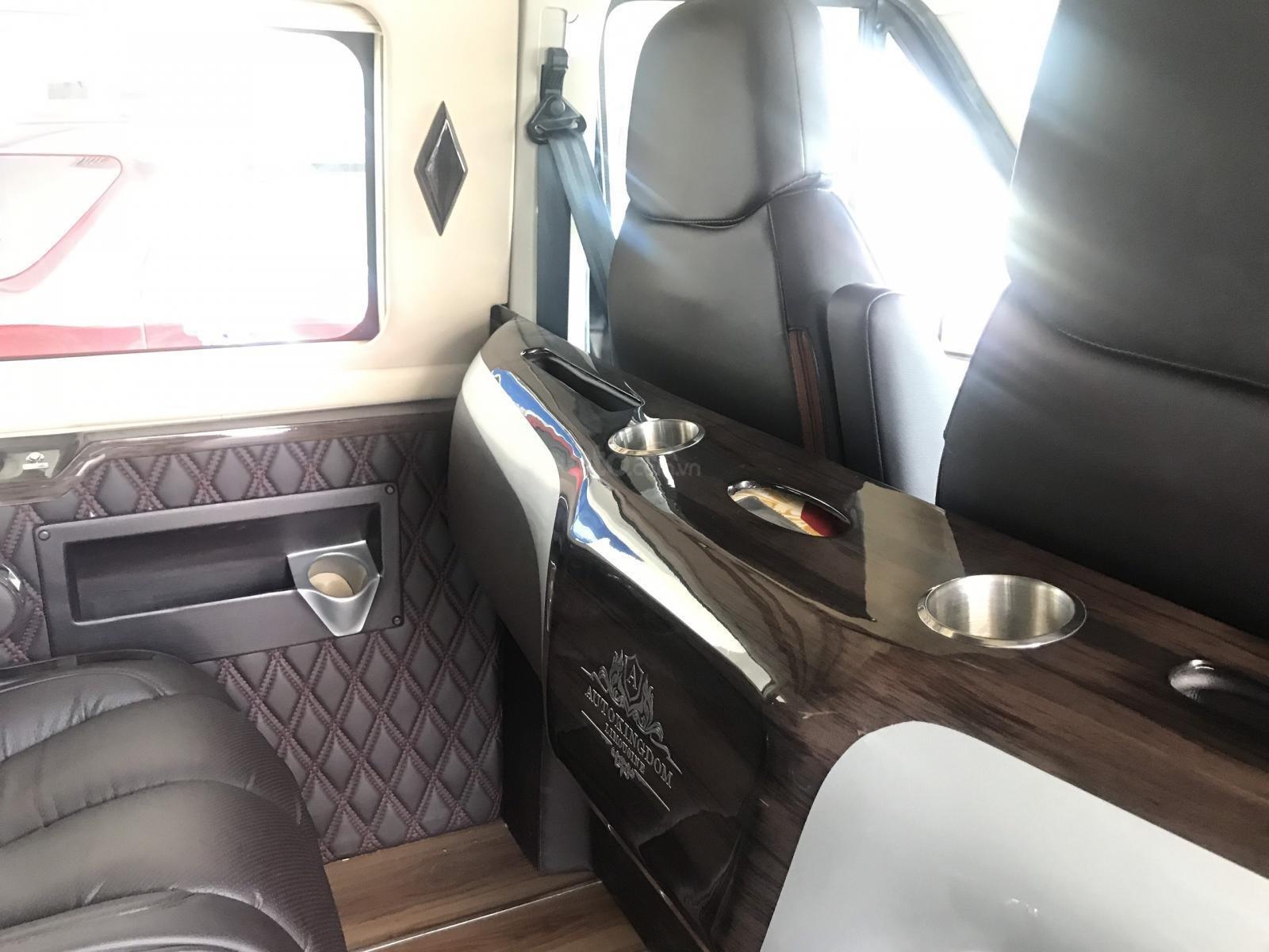 Cần bán Ford Transit Limousine vip trung cấp, dành cho chuyên gia, đẳng cấp doanh nhân (9)